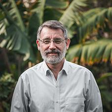 Roberto Vides Almonacid